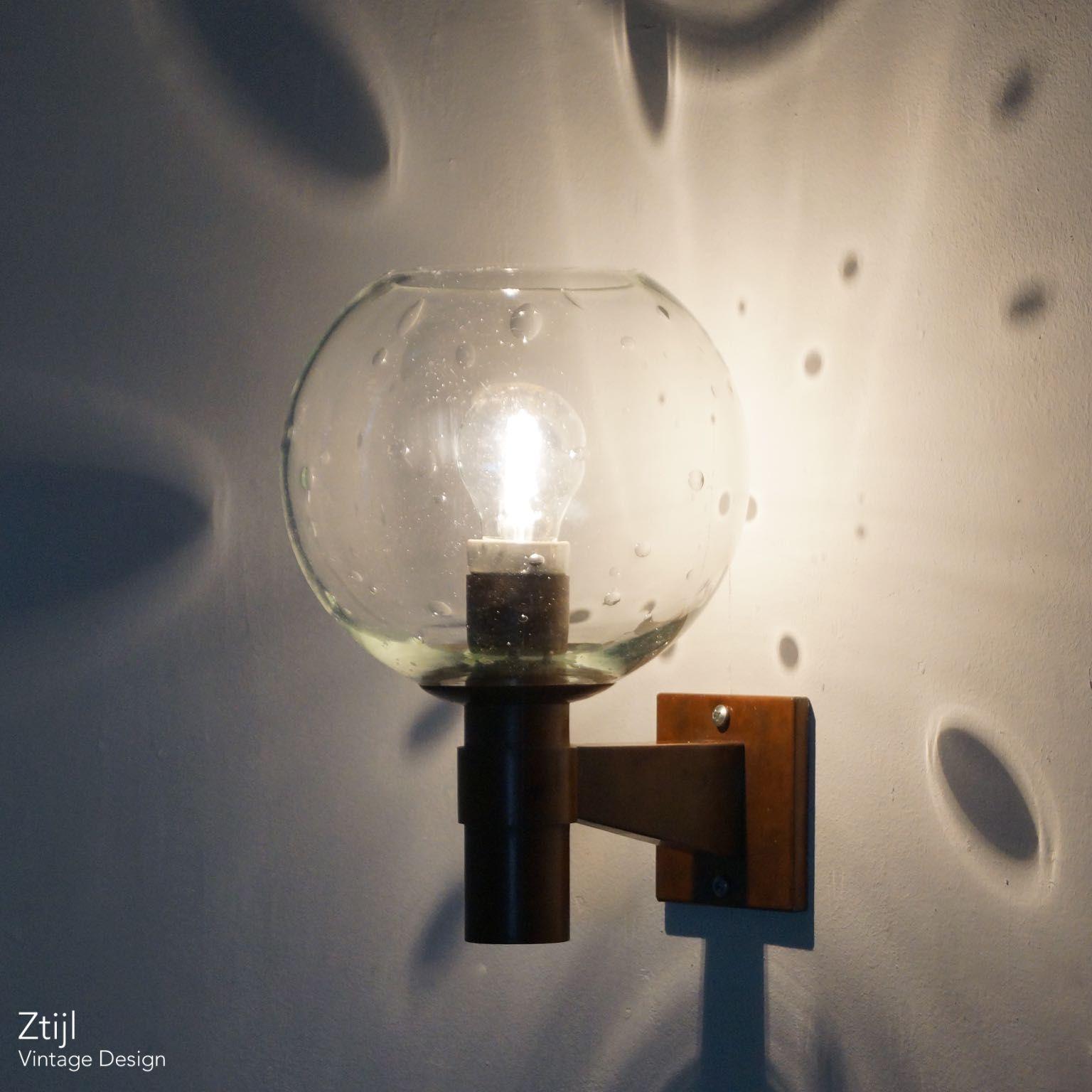 Massief Glazen Bollen.Paar Koperen Wandlampen Met Glazen Bol In De Stijl Van De Amsterdamse School Ca 1960