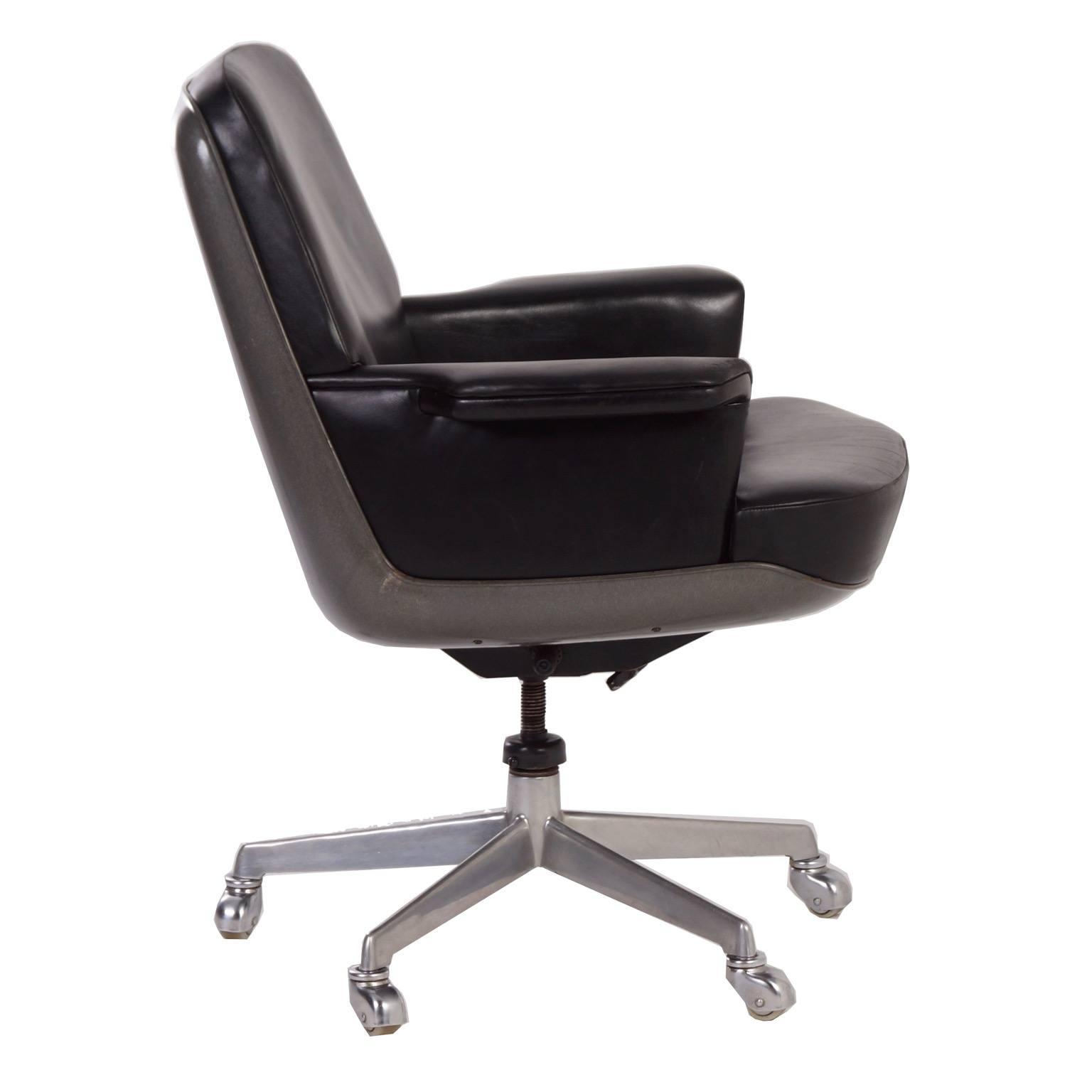 Vintage wilkhahn directeurs fauteuil duitsland ca for Eetkamerstoelen kuipjes