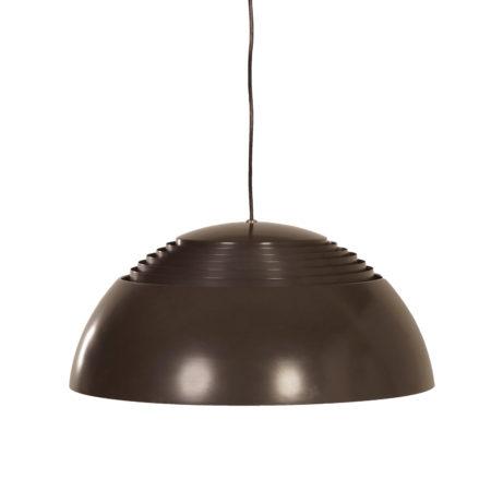 Bruine AJ Hanglamp van Arne Jacobsen voor Louis Poulsen, 1970s | Vintage Design