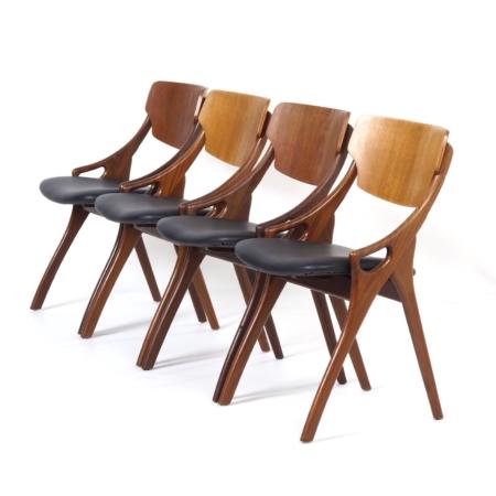 Deense Eetkamerstoelen van Hovmand Olsen voor Mogens Kold, 1960s – Set van 4 met Nieuw Leer | Vintage Design