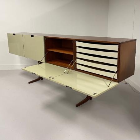 Zeldzaam Dressoir DC01 van Cees Braakman voor Pastoe, 1960
