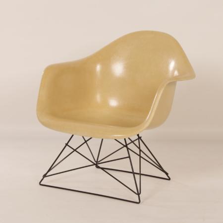LAR Kuipstoel van Charles & Ray Eames voor Herman Miller, 1970s – D
