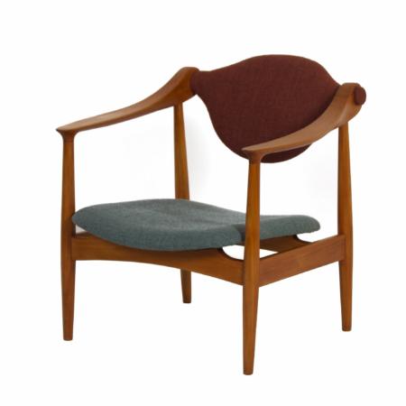 Deense Fauteuil van Perenhout, 1960s – Opnieuw Bekleed | Vintage Design
